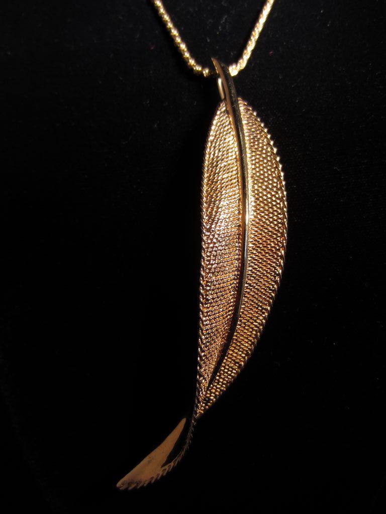 Vintage Solid 14k Leaf Necklace