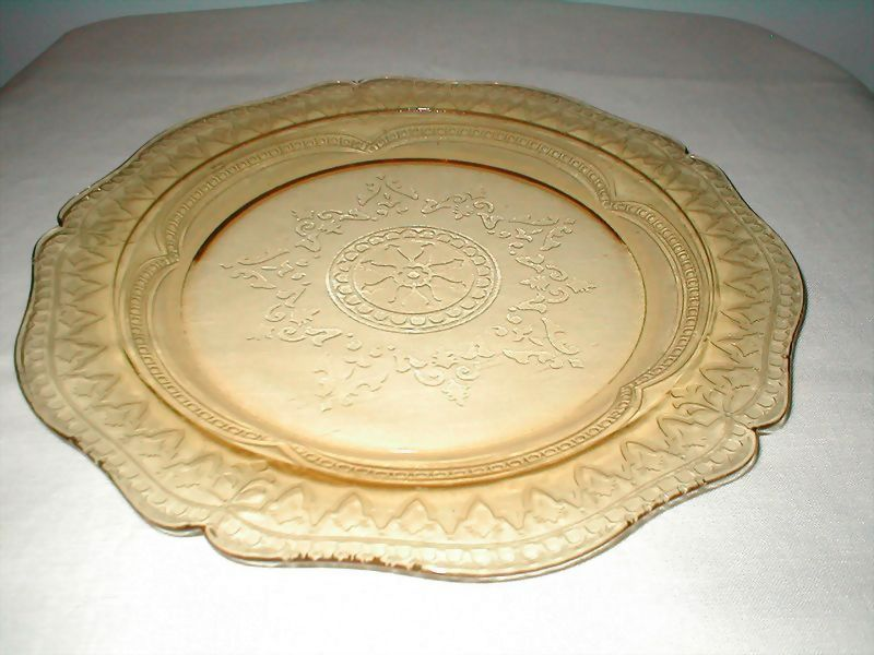 """Federal Glass Co.  Patrician  11"""" Amber Plate"""