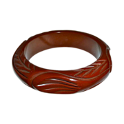 Art Deco Chunky Carved  Bakelite Bangle Bracelet