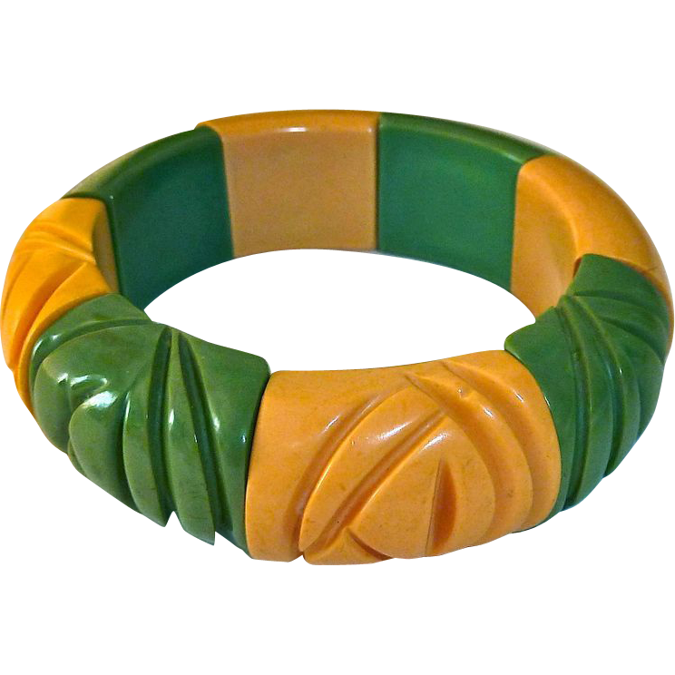 Carved Bakelite Green & Creamed Corn Stretch Bracelet