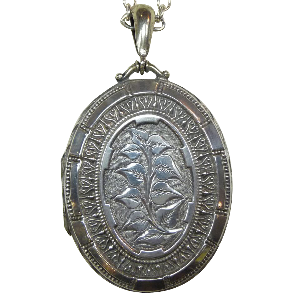 Ornate Sterling Foliate Engraved Large Oval Locket