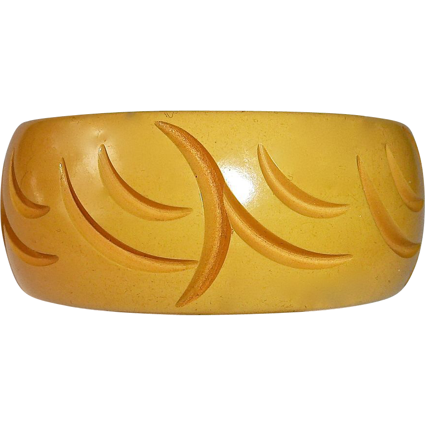 Bakelite Wide Carved Creamed Corn Bangle Bracelet