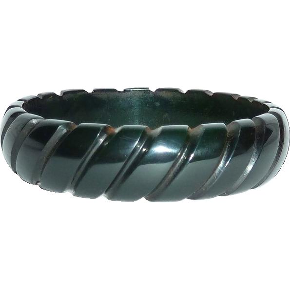 Carved Dark Green Prystal Bakelite Rope Bangle Bracelet