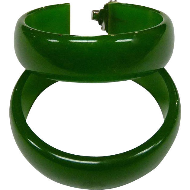Green Bakelite Vintage Storestock Pierced Hoop Earrings