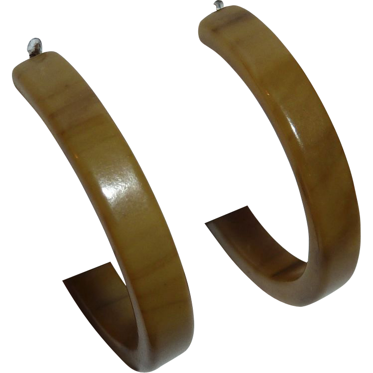 End-of-the-Day Bakelite Vintage Storestock Pierced Hoop Earrings