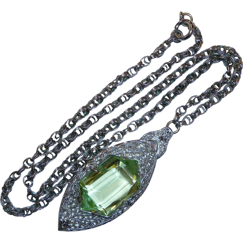 Art Deco Rhodium Plate Filigree Necklace w Peridot Glass Jewel
