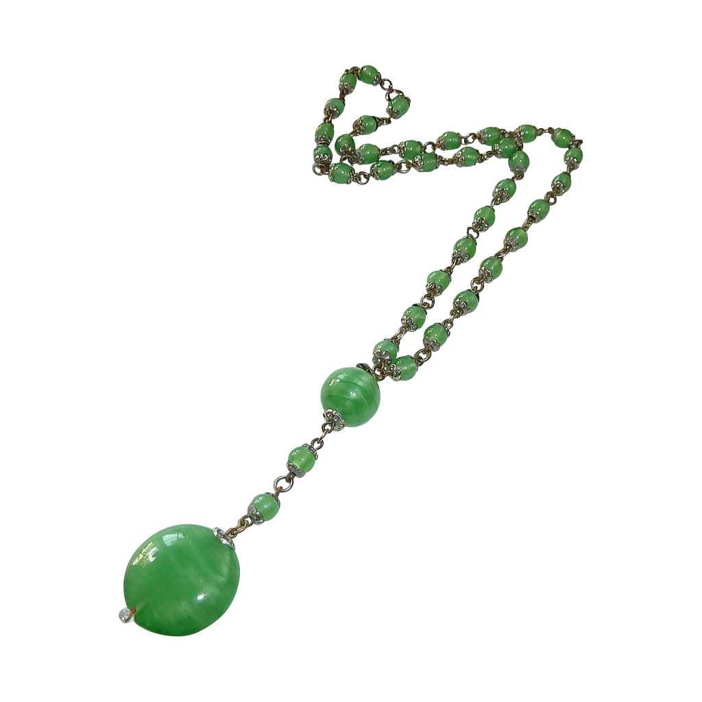 Art Deco Pearly Green Art Glass Bead Necklace