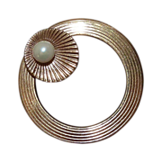 Gold Filled WRE Textured Circle Pin w Cultured Pearl