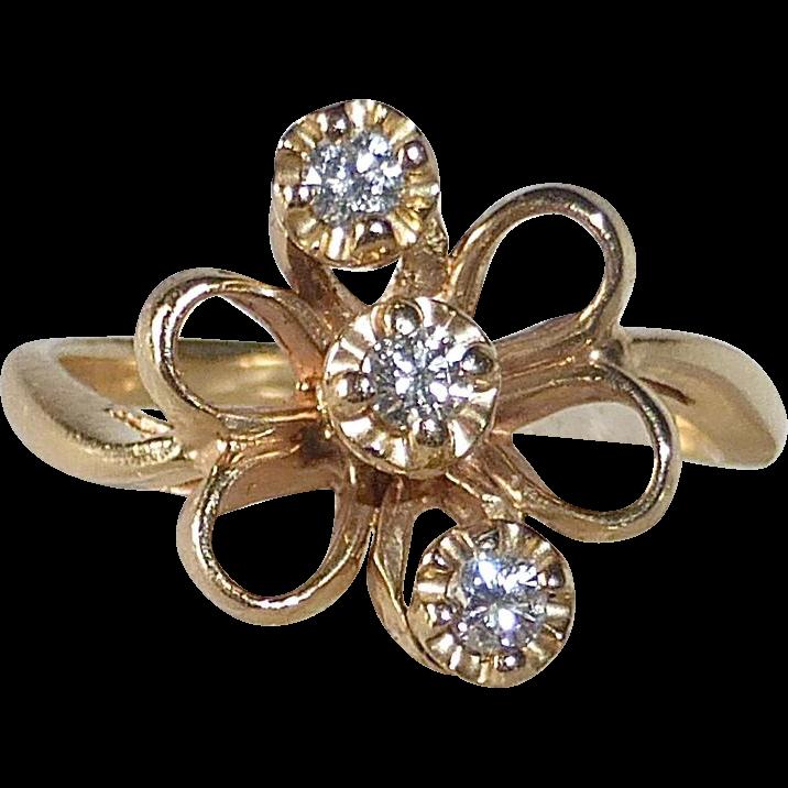 14k Yellow Gold Bow Ring 3 Diamonds