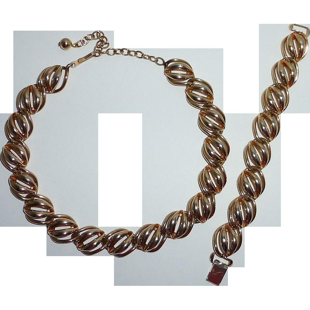 Bartek Costume Gold Tone Set Necklace & Bracelet