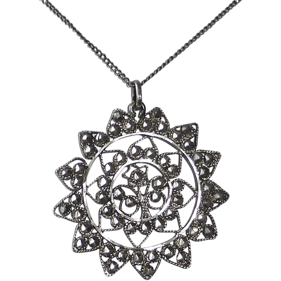 900 Silver Filigree Pendant & Chain