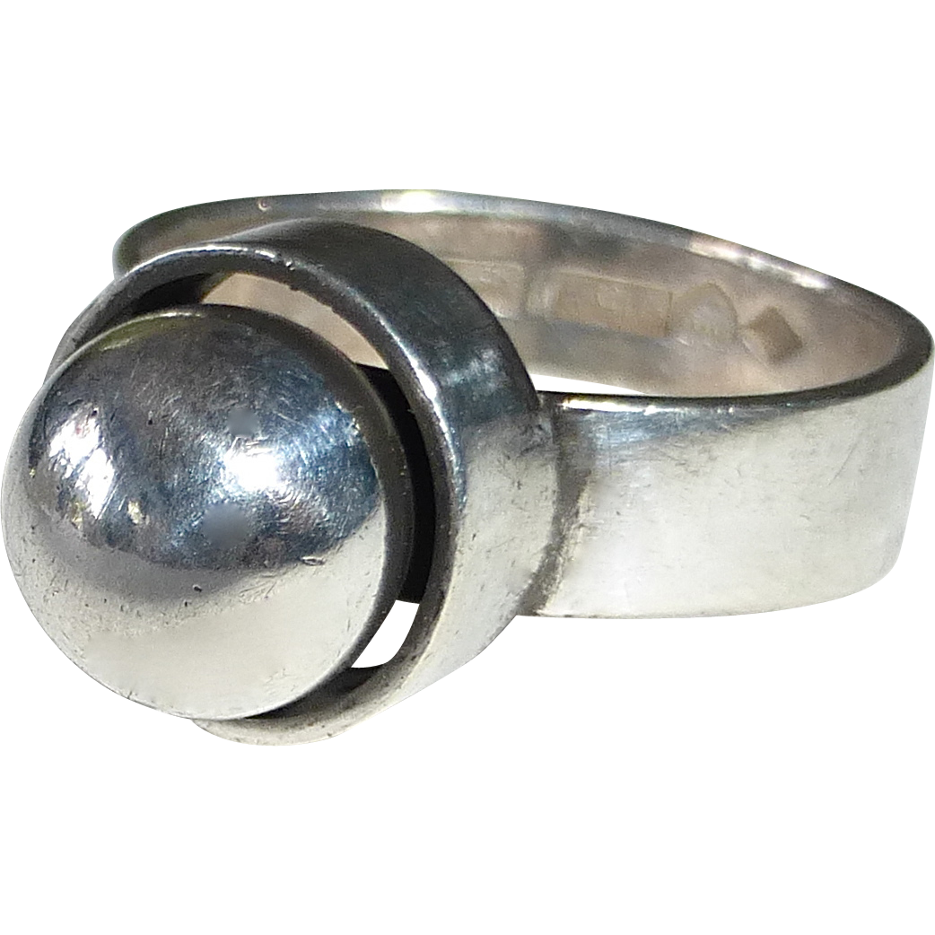 modernist sterling silver pearl ring from