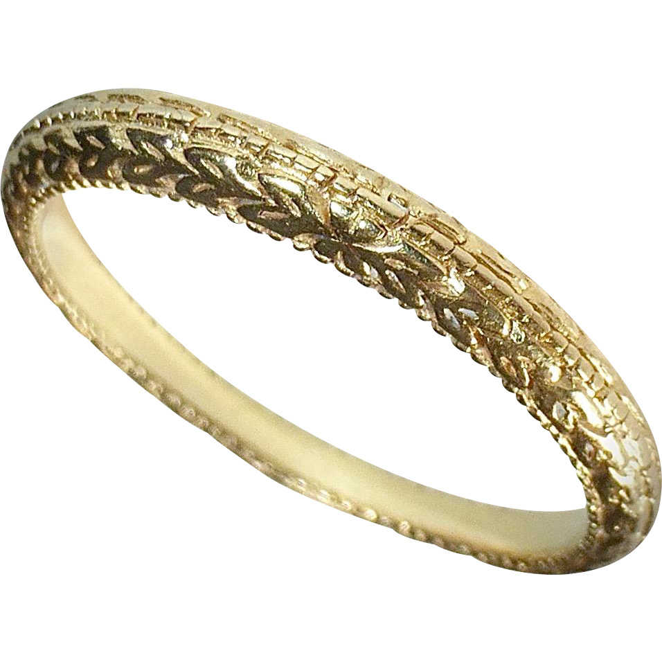18k Yellow Gold Band Ring Embossed Pattern