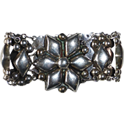 Mexican Sterling Silver Repousse Link Bracelet c1930s
