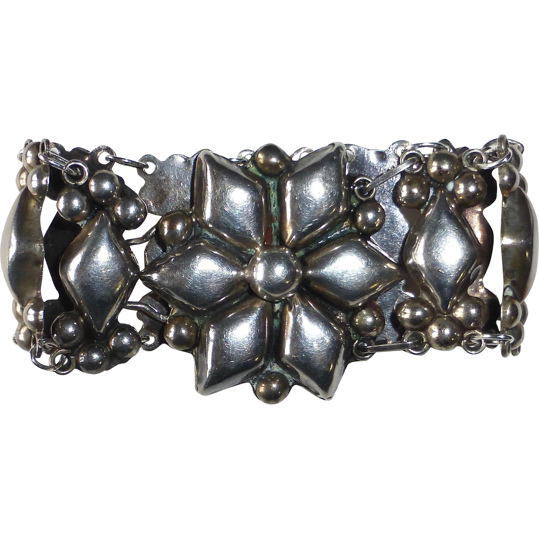 Mexican Sterling Silver Repousse Link Bracelet c1930s
