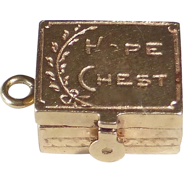 14k 'Hope Chest' Kinetic Charm