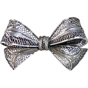 Sterling Filigree Dimensional Bow Pin