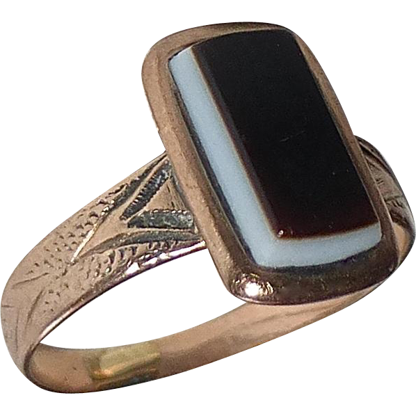Antique 10k Rose Gold Baby Ring w Sardonyx