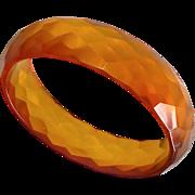"""Bakelite Faceted Applejuice """"Prystal"""" Bangle Bracelet"""