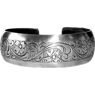 Beau Sterling Floral Patterned Cuff Bracelet