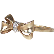 10k Sculptural Bow Ring w Diamond Center Knot