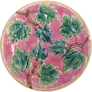 Etruscan Majolica Plate Hot Pink and Perfect - Etruscan Majolica Maple Leaf Plate