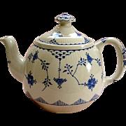 "Vintage Furnivals ""Denmark"" Tea Pot and Lid - 2 pint"