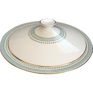 "Royal Doulton ""Berkshire"" Covered / Lidded Vegetable Dish - Vintage"