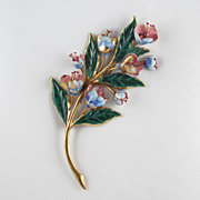 Large 1940s Dimensional Floral Brooch