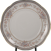 Noritake ''Bridgehampton'' Bone China Bread Plate.  Scalloped Edge, Gold Trim