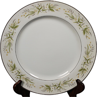 Morimura (Noritake) Fine China of Japan ''Pembrook'' Dinner Plate.