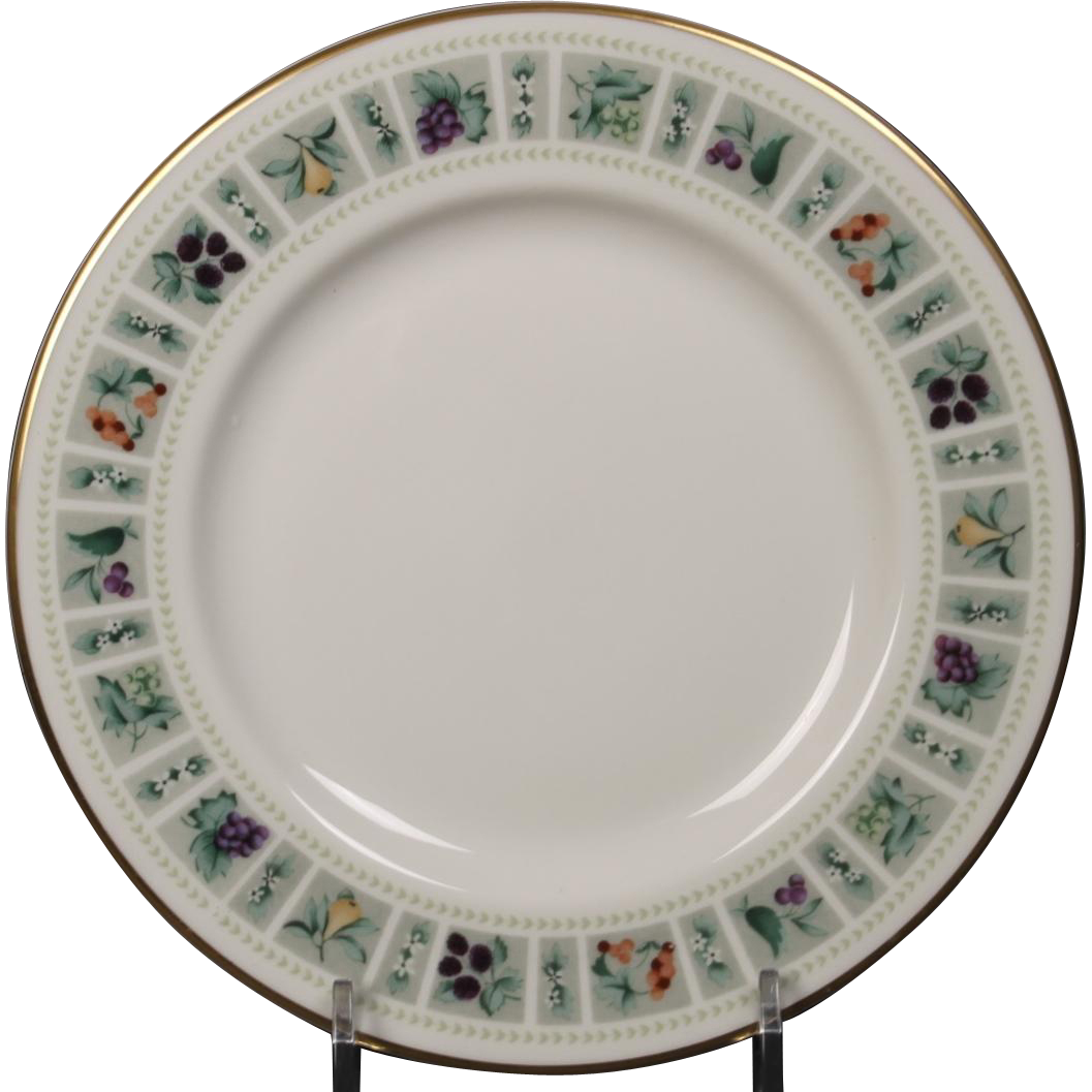 Beautiful Royal Doulton ''Tapestry'' Bread and Butter Plate.  6-1/2''  Free Shipping within Domestic USA.  No international shipping.  All shipping by USPS Priority Mail.