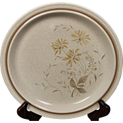 Beautiful Royal Doulton ''Sandsprite'' Dinner Plate.