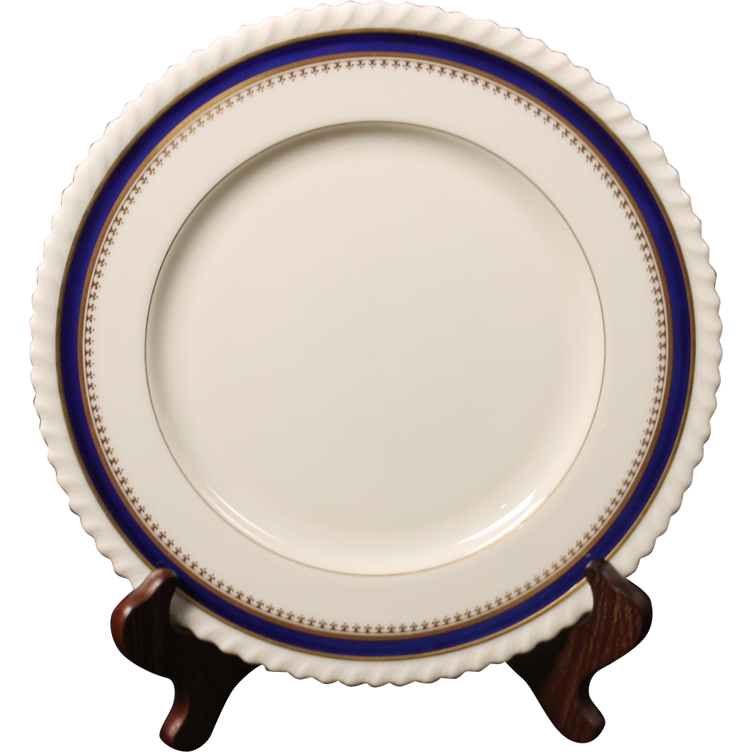 Lenox China Dinner Plate in the ''Georgian Blue'' Pattern.  10-1/2''