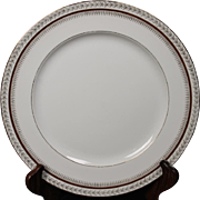Beautiful Harmony House Dinner Plate in the ''Firelight'' Pattern.
