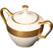 Lenox Lidded Sugar Bowl in the ''Westchester'' Pattern.  3''