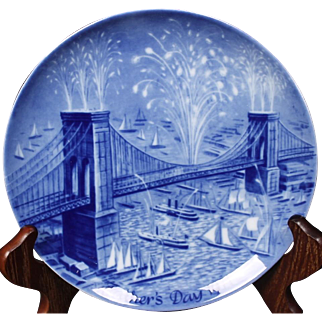 Beautiful Berlin Design 1971 ''Brooklyn Bridge On Opening Day'' from the Father's Day Collection.  7-3/4''
