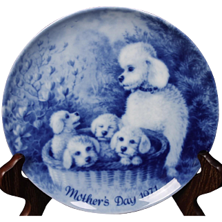 Beautiful Berlin Design 1971 ''Grey Poodles'' from the Mother's Day Collection.  7-3/4''