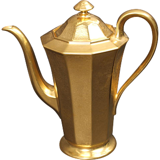 German Tirschenreuth Porcelain Gold Encrusted ''Rose and Daisy'' Lidded Coffee Pot decorated in the USA by Pickard.  9'',