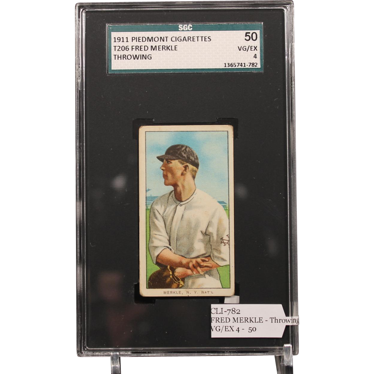 T206 FRED MERKLE - Throwing SGC grade 50 VG/EX 4