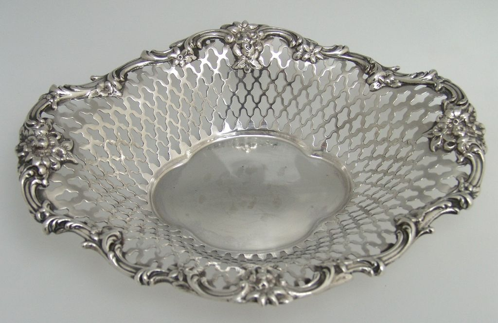 Small Serving Bowl Roger Williams Silver Company Reticulated Sterling Silver 1910