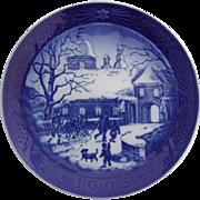 Royal Copenhagen Christmas At The Manor House Plate 1995 Porcelain