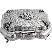 Ornate Chased Dresser Box Hinged Lid Floral Decorations 800 Silver 1935 Milan
