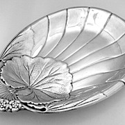 Shell Leaf Floral Water Lily Serving Dish International 1940 Sterling Silver