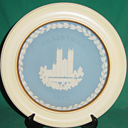 Vintage Wedgwood Jasperware Christmas Plate 1977 Westminster Abbey with Wood Frame