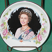 Queen Elizabeth II Silver Jubilee Trinket Vanity or Pin Dish 1977 Crown Staffordshire