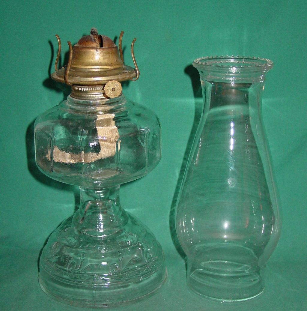 Vintage Kerosene Oil Lamp Clear Glass Eagle Plume & Atwood Risdon ...