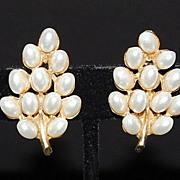 Vintage ART Faux Pearl Leaf Earrings