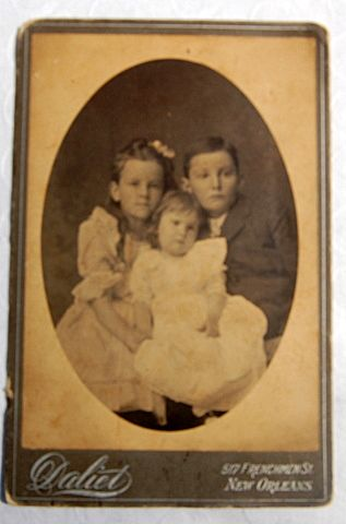 Victorian Cabinet Card Three Young Children