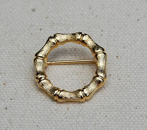 Vintage Gold Tone Bamboo Circle Brooch/Pin